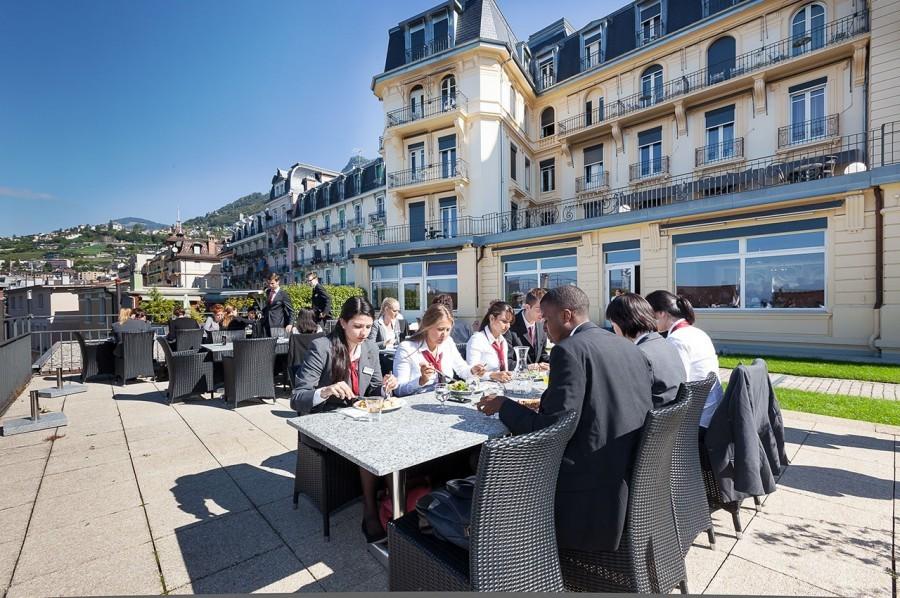 Studera hotell management och företagsekonomi - SEG