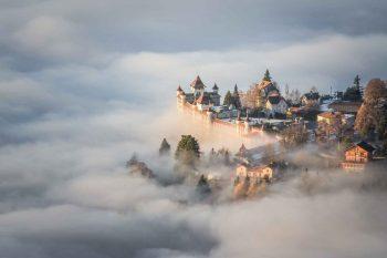 Schweiz, landet som är känt för sina hotellutbildningar