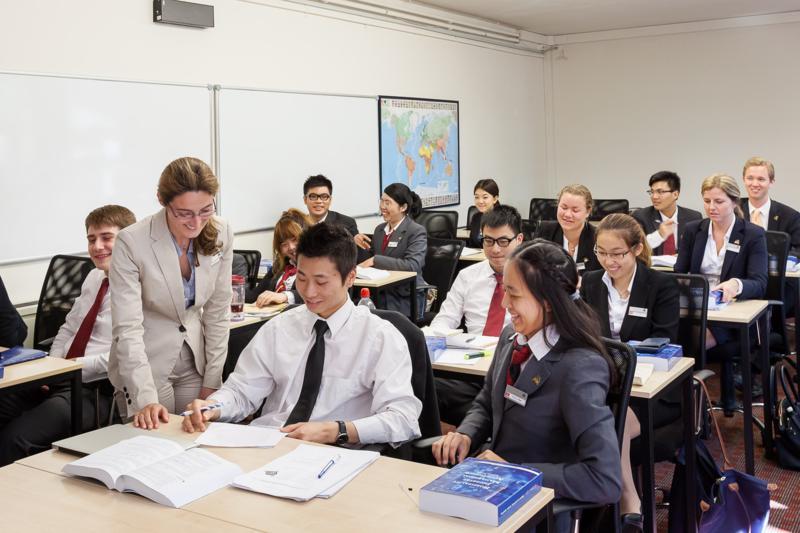 Företagsekonomi och management utbilning, avancerad nivå, studera i Schweiz