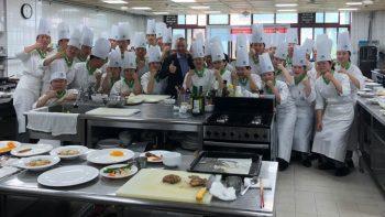 chefs-in-kitchen-korea